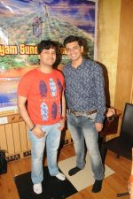 Javed Ali and Dhruv Sanghavi at the recording of Song For The Film Shyam Sunder Shreenath Ji-The God Krishna on 13th Dec 2017_5a312d21957b9.JPG