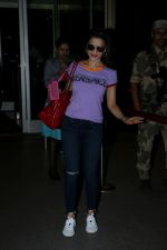 Ameesha Patel Spotted At Airport on 14th Dec 2017 (1)_5a3371e704b96.JPG