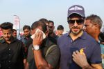 Dino Morea At Pet Fed Festival on 17th Dec 2017 (15)_5a376877a7428.JPG