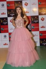 Riddhi Dogra at the Red Carpet Event Of Zee Cine Awards 2018 on 19th Dec 2017 (17)_5a3a0e03a413e.JPG