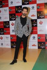 Shahid Kapoor at the Red Carpet Event Of Zee Cine Awards 2018 on 19th Dec 2017 (276)_5a3a0e67405a1.JPG