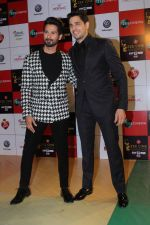 Sidharth Malhotra at the Red Carpet Event Of Zee Cine Awards 2018 on 19th Dec 2017 (265)_5a3a0ea539443.JPG