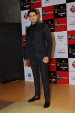 Sidharth Malhotra at the Red Carpet Event Of Zee Cine Awards 2018 on 19th Dec 2017 (269)_5a3a0ea80dfd9.JPG