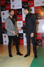 Sidharth Malhotra at the Red Carpet Event Of Zee Cine Awards 2018 on 19th Dec 2017 (276)_5a3a0eac128ee.JPG