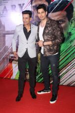 Sidharth Malhotra, Manoj Bajpayee at the Trailer Launch of Film Aiyaary on 19th Dec 2017 (17)_5a3a014d55a86.JPG