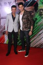 Sidharth Malhotra, Manoj Bajpayee at the Trailer Launch of Film Aiyaary on 19th Dec 2017 (23)_5a3a014f178ab.JPG