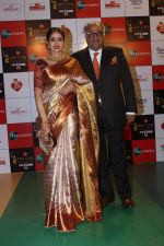 Sridevi, Boney Kapoor at the Red Carpet Event Of Zee Cine Awards 2018 on 19th Dec 2017 (183)_5a3a10023e1e4.JPG
