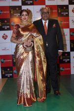 Sridevi, Boney Kapoor at the Red Carpet Event Of Zee Cine Awards 2018 on 19th Dec 2017 (184)_5a3a1003290a8.JPG