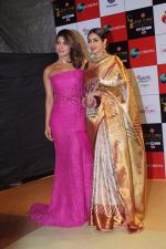 Sridevi, Priyanka Chopra at the Red Carpet Event Of Zee Cine Awards 2018 on 19th Dec 2017 (187)_5a3a0fd215b30.JPG