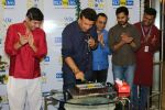 Anu Malik at the Launch Of 90_s Show in Big FM on 22nd Dec 2017 (95)_5a3e7809b44e9.JPG