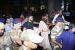 Anushka Sharma And Virat Kohli Spotted At Airport on 22nd Dec 2017 (20)_5a3e75b3a9a2f.JPG