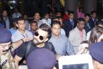 Anushka Sharma And Virat Kohli Spotted At Airport on 22nd Dec 2017 (24)_5a3e75ce6de3c.JPG