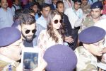 Anushka Sharma And Virat Kohli Spotted At Airport on 22nd Dec 2017 (32)_5a3e75f64db52.JPG