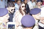 Anushka Sharma And Virat Kohli Spotted At Airport on 22nd Dec 2017 (33)_5a3e7601aac26.JPG