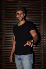 Kunal Kapoor at the Party of Akshay Kumar_s film Gold in Estela, juhu on 21st Dec 2017 (9)_5a3e63f567163.JPG