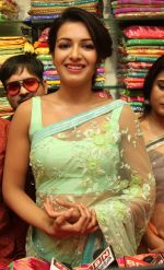 Catherine Tresa launch KLM Fashion Mall at Vizag on 25th Dec 2017 (117)_5a41e179bb55b.jpg
