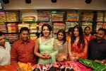 Catherine Tresa, Mehareen, Shalini Pandey launch KLM Fashion Mall at Vizag on 25th Dec 2017 (145)_5a41e19414e75.jpg
