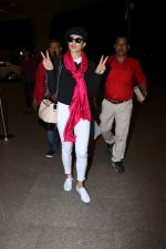Jacqueline Fernandez Spotted At Airport on 25th Dec 2017(32)_5a41f3592a31e.JPG