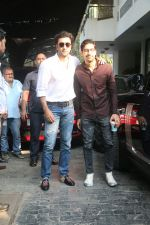 Ranbir Kapoor, Ayan Mukherji at Christmas Party At Shashi Kapoor_s House on 25th Dec 2017 (51)_5a41ead7118b6.JPG