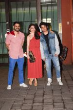 Soha Ali Khan, Kunal Khemu Attend Arpita Khan_s Christmas Party on 25th Dec 2017 (7)_5a41f5882c0ce.jpg