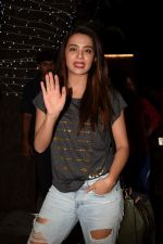 Surveen Chawla at Richa Chadda_s party in Korner house on 23rd Dec 2017 (2)_5a41d353315e8.JPG