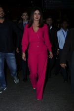 Priyanka Chopra Spotted At Airport on 26th Dec 2017(35)_5a4330824dc0c.JPG