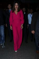 Priyanka Chopra Spotted At Airport on 26th Dec 2017(36)_5a43308d72957.JPG