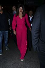 Priyanka Chopra Spotted At Airport on 26th Dec 2017(39)_5a433093eba3f.JPG