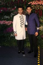 Sidharth Malhotra, Karan Johar at Anushka Sharma And Virat Kohli_s Wedding Celebration In Mumbai on 26th Dec 2017 (7)_5a4330e036fdb.JPG