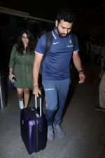 Rohit Sharma spotted at Airport on 27th Dec 2017 (15)_5a44c2068d25e.JPG