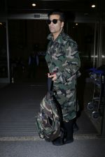 Karan Johar Spotted At Airport on 1st Jan 2018 (1)_5a4b2c4d4347c.JPG