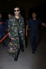 Karan Johar Spotted At Airport on 1st Jan 2018 (15)_5a4b2c5a0c7c8.JPG
