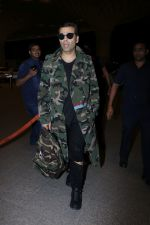 Karan Johar Spotted At Airport on 1st Jan 2018 (17)_5a4b2c5c21122.JPG