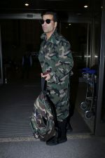 Karan Johar Spotted At Airport on 1st Jan 2018 (19)_5a4b2c5ea2cf5.JPG