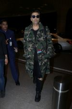 Karan Johar Spotted At Airport on 1st Jan 2018 (9)_5a4b2c5493843.JPG