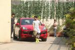 Shahid Kapoor, Ishaan Khattar Spotted at Reset Gym, Bandra on 2nd Jan 2018 (3)_5a4b4d863ceb8.JPG