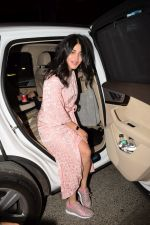 Shruti Haasan and her boyfriend spotted at bkc bandra on 31st Dec 2017 (1)_5a4b284ded362.JPG
