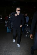 Anil Kapoor Spotted At Airport on 2nd Jan 2018 (2)_5a4c7a9c39451.JPG