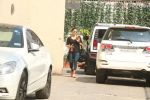 Bipasha Basu Spotted At Gym,Bandra on 2nd Jan 2018 (3)_5a4c7aaadb081.JPG