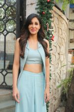 Pooja Chopra Spotted At Corner House,Bandra on 2nd Jan 2018 (9)_5a4c7ac50e972.JPG