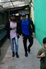 Sidharth malhotra spotted at dance class in 4 bunglows andheri on 4th Jan 2018 (3)_5a4e3a07979e4.JPG
