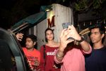 Kriti Sanon and Sister Nupur Sanon Spotted At Spa In Juhu on 4th Jan 2018 (13)_5a4f15ee10dee.JPG