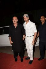 Hrithik Roshan, Rakesh Roshan at Kirtan Darbar in jvpd ground juhu on 6th Jan 2018 (6)_5a5330ea90b25.JPG