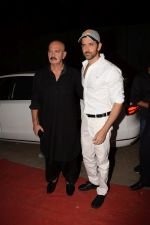 Hrithik Roshan, Rakesh Roshan at Kirtan Darbar in jvpd ground juhu on 6th Jan 2018 (7)_5a53315d7ee41.JPG