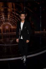 Karan Johar on the set of India_s next superstar on 6th Jan 2018 (30)_5a531da9709a3.JPG
