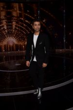Karan Johar on the set of India_s next superstar on 6th Jan 2018 (31)_5a531dab2a09e.JPG