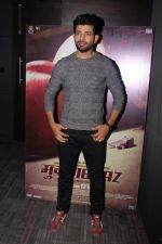 Vineet Kumar Singh at the promotion of Mukkabaaz Movie on 7th Jan 2018 (15)_5a530ef00303b.JPG