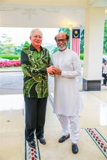 Rajinikanth meets PM on 8th Jan 2018 (4)_5a54428c9611e.jpg