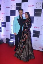 Aarti Surendranath, Karan Johar at Cover Launch Of Millonaireasia India on 9th Jan 2018 (21)_5a55bb6169730.JPG