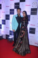 Aarti Surendranath, Karan Johar at Cover Launch Of Millonaireasia India on 9th Jan 2018 (22)_5a55bba36abdc.JPG